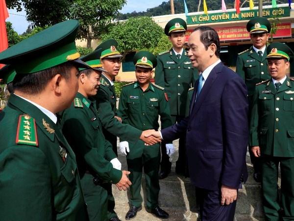 Le president Tran Dai Quang presente les vœux du Nouvel an a Kon Tum hinh anh 1
