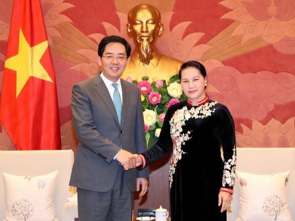 La presidente de l'AN recoit l'ambassadeur chinois Hong Xiaoyong hinh anh 1