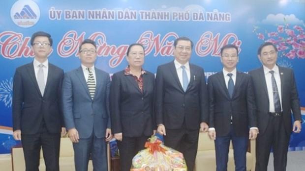 Des diplomates etrangers presentent leurs vœux du Tet 2018 a Da Nang hinh anh 1