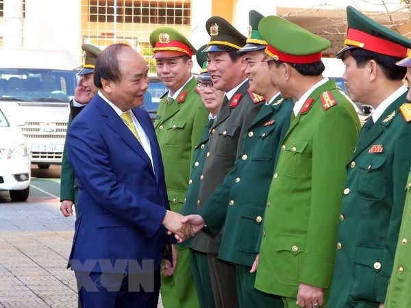 Le Premier ministre presente ses vœux du Nouvel An lunaire 2018 a Da Nang hinh anh 1
