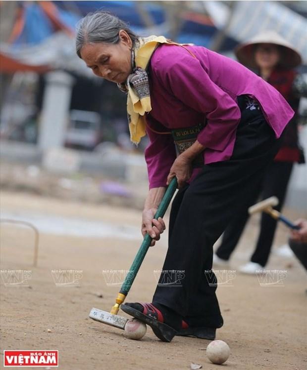 Au club de croquet du village de Xuan Bach hinh anh 2