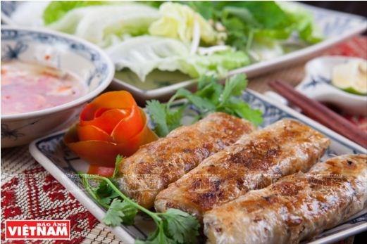 Le nem frit, fleuron de la gastronomie vietnamienne hinh anh 3