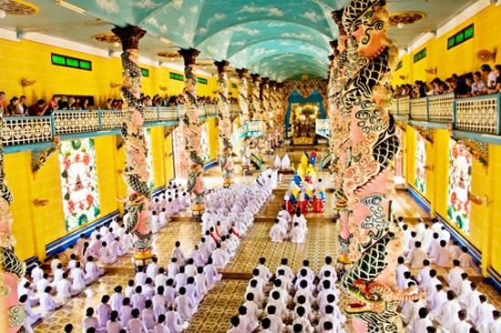 Six grands festivals apres le Nouvel An lunaire dans le Centre et le Sud hinh anh 6