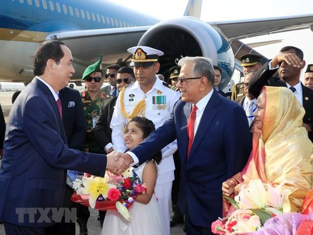 Le president vietnamien entame une visite d'Etat au Bangladesh hinh anh 2