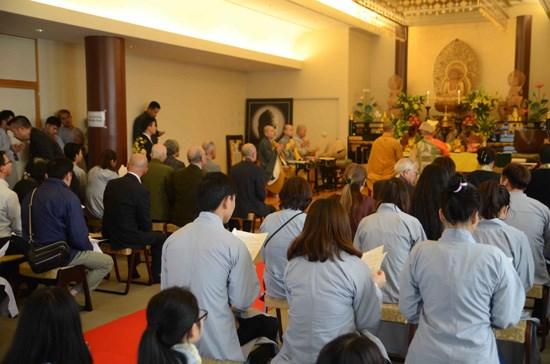 A Tokyo, une grande messe de requiem pour les heros de Gac Ma hinh anh 1
