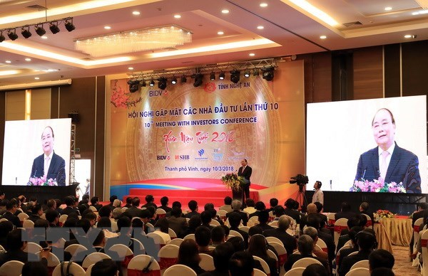 Nguyen Xuan Phuc a la conference « Rencontre des investisseurs dans la province de Nghe An » hinh anh 1