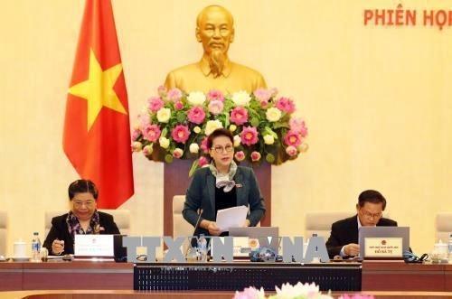 Le Comite permanent de l'Assemblee nationale se reunit a Hanoi hinh anh 1