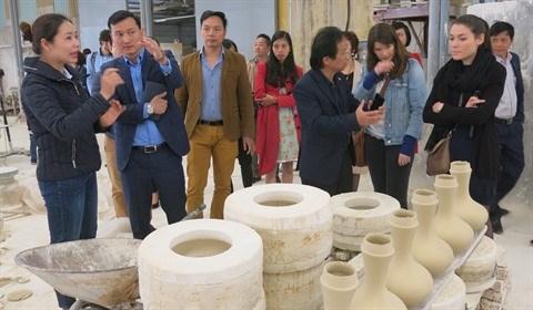 A la decouverte du village de ceramique de Chu Dau hinh anh 1