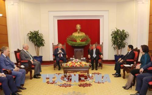 Les partis communistes du Vietnam et de la Russie cherchent a renforcer les liens economiques hinh anh 1