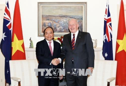 Le PM Nguyen Xuan Phuc rencontre le gouverneur general d'Australie hinh anh 1