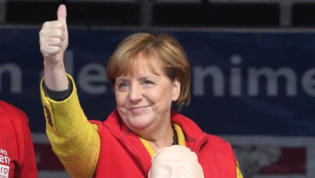 Le PM felicite la chanceliere allemande Angela Merkel pour sa reelection hinh anh 1
