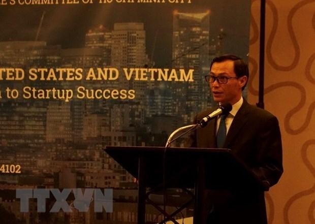 Dialogue avec les jeunes Viet kieu a Ho Chi Minh-Ville hinh anh 1