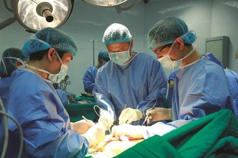 Premiere greffe pulmonaire a partir de donneur en mort cerebrale hinh anh 1