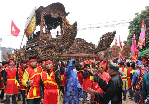 Au cœur de la procession de l'elephant dans le village de Dao Xa hinh anh 3
