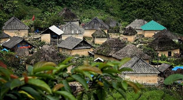 Les maisons-champignons des Ha Nhi noirs de Lao Cai hinh anh 1