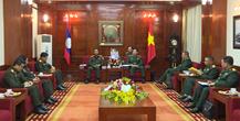 Le Vietnam et le Laos renforcent la cooperation militaire hinh anh 1