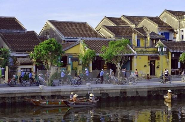 Le PM incite Hoi An a devenir une vieille ville touristique de premier plan hinh anh 2