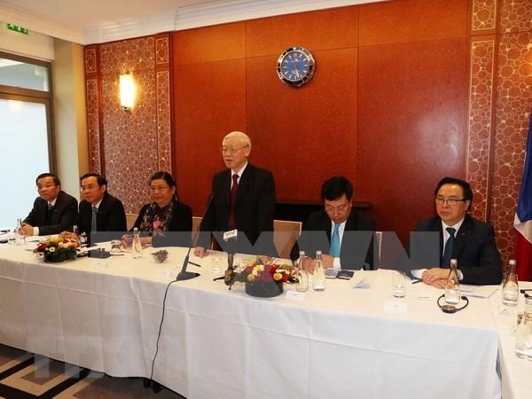 Le leader du PCV rencontre avec de jeunes intellectuels vietnamiens en France hinh anh 1