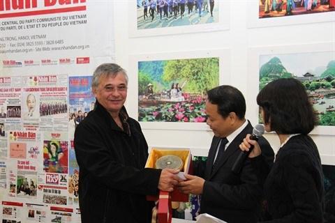 Vietnam - France : les relations traditionnelles entre les deux partis communistes ne cessent de se developper hinh anh 2