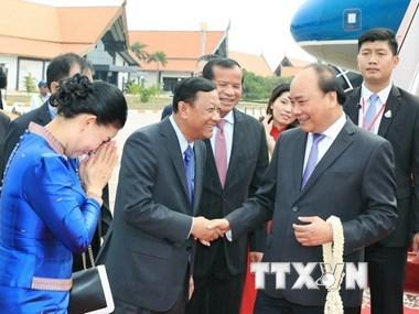 Le PM Nguyen Xuan Phuc au Cambodge pour le sommet de la MRC hinh anh 1