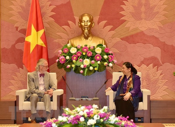 La vice-presidente de l'AN Tong Thi Phong recoit un ancien secretaire general de l'UIP hinh anh 1
