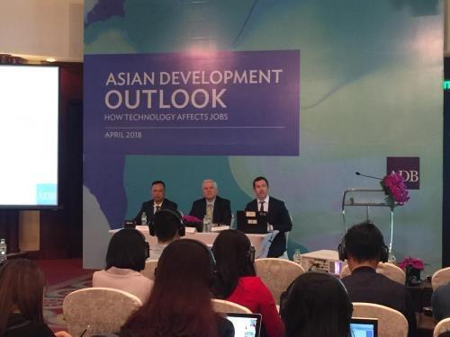 Le Vietnam sera un des pays a plus forte croissance en 2018, selon la BAD hinh anh 1