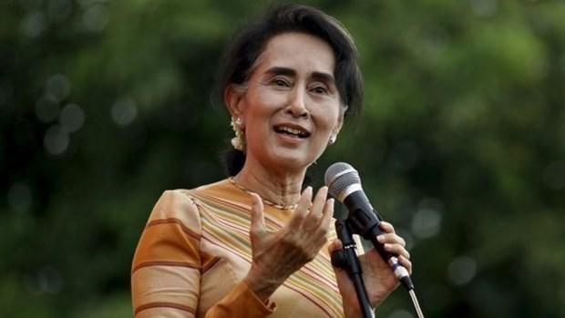 La conseillere d'Etat du Myanmar entame sa visite officielle au Vietnam hinh anh 1