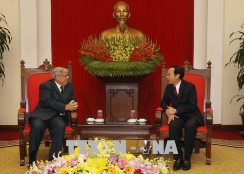 Visite d'une delegation du Parti communiste francais au Vietnam hinh anh 1