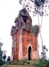 A l'ombre des tours cham a Binh Dinh, dans le Centre hinh anh 3