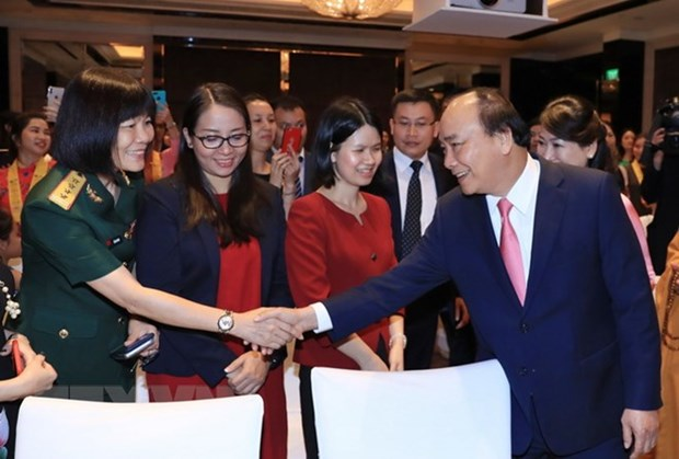 A Singapour, le PM Nguyen Xuan Phuc parle revolution industrielle 4.0 hinh anh 3