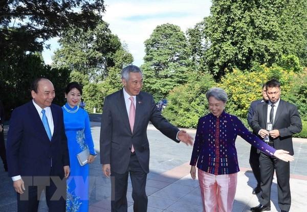 La presse singapourienne couvre la visite officielle du PM Nguyen Xuan Phuc hinh anh 1