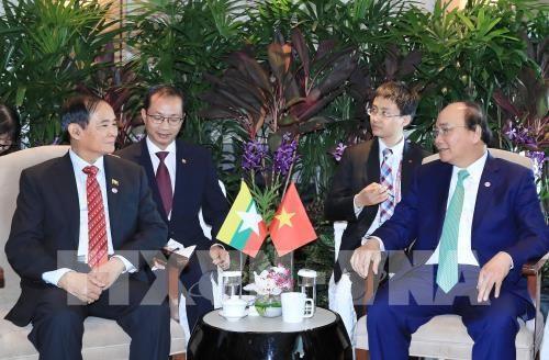Le PM rencontre les presidents indonesien et birman a Singapour hinh anh 2