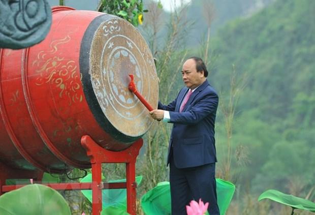 Le PM Nguyen Xuan Phuc inaugure la fete de Trang An hinh anh 1