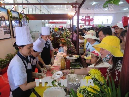 Cloture du Festival des gateaux traditionnels du Nam Bo hinh anh 1