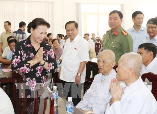 Des dirigeants a l'ecoute des electeurs de Can Tho et Long An hinh anh 2