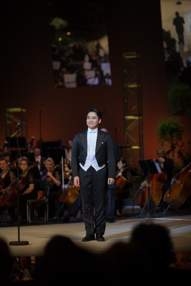Ninh Duc Hoang Long remporte un concours international d'opera Jozsef Simandy hinh anh 1