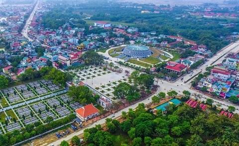 Les touristes a l'assaut des vestiges de la bataille de Dien Bien Phu hinh anh 1