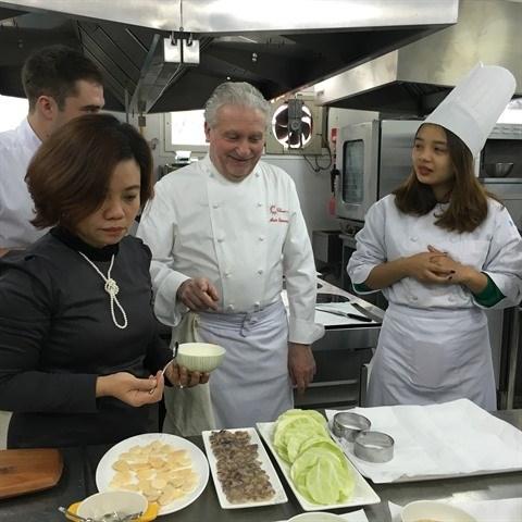 Promouvoir la formation du personnel dans le tourisme et l'hotellerie hinh anh 1