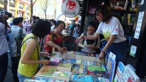 Diverses activites lors de la Journee des livres europeens a Ho Chi Minh-Ville hinh anh 1