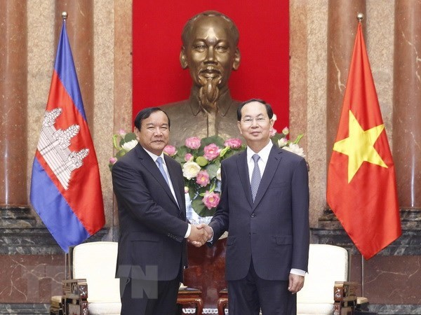Le president Tran Dai Quang recoit le ministre cambodgien des Affaires etrangeres hinh anh 1
