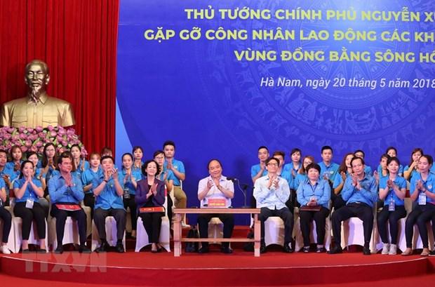 Le PM dialogue avec un millier d'ouvriers du delta du fleuve Rouge hinh anh 1