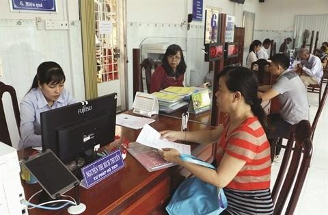 La reforme salariale va de pair avec la reduction du nombre de fonctionnaires hinh anh 2