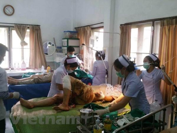 Un accident de car au Laos fait 12 blesses parmi les anciens Viet kieu hinh anh 1