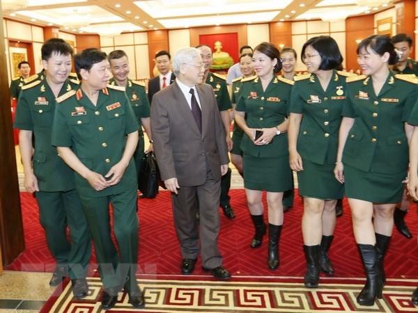 Le leader du PCV Nguyen Phu Trong recoit des syndicalistes de l'Armee hinh anh 1