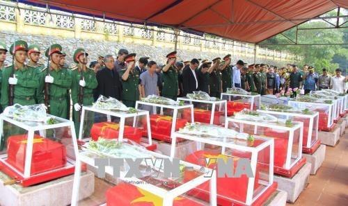 Inhumation des restes de soldats tombes au Laos et au Cambodge hinh anh 1