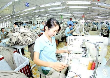 Le textile maintient sa croissance sur les marches traditionnels hinh anh 1