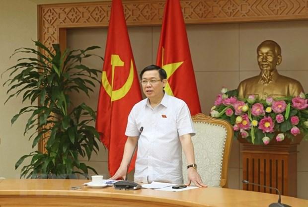 AN : le vice-PM Vuong Dinh Hue presente un rapport d'explication hinh anh 1