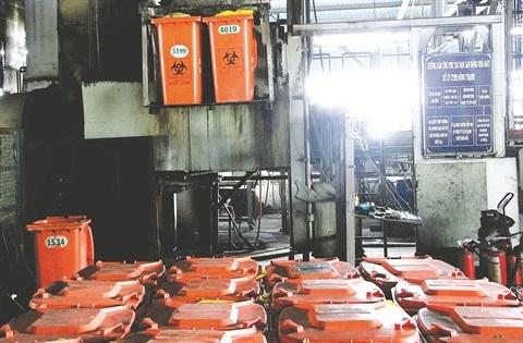 Le Vietnam revise sa strategie de gestion des dechets solide hinh anh 2