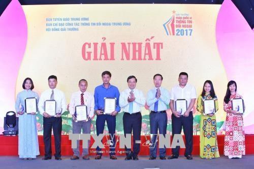 Le Prix national de l'information exterieure couronne 67 oeuvres hinh anh 2