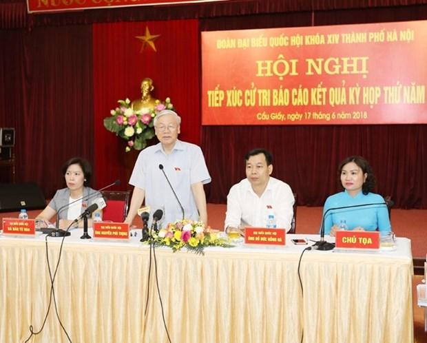 Le secretaire general du PCV rencontre des electeurs de Hanoi hinh anh 1